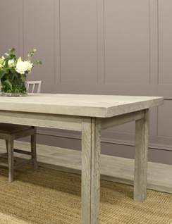 Oak kitchen/dining table